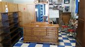 Armoire DRESSER WITH MIRROR